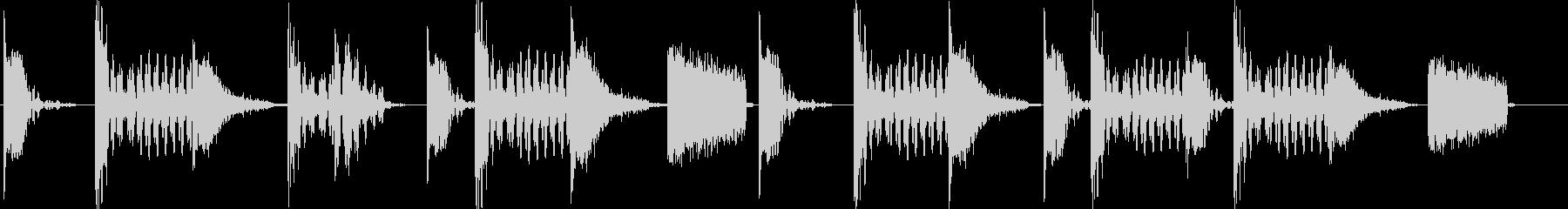 シンプルなドラムとベースのジングルの未再生の波形