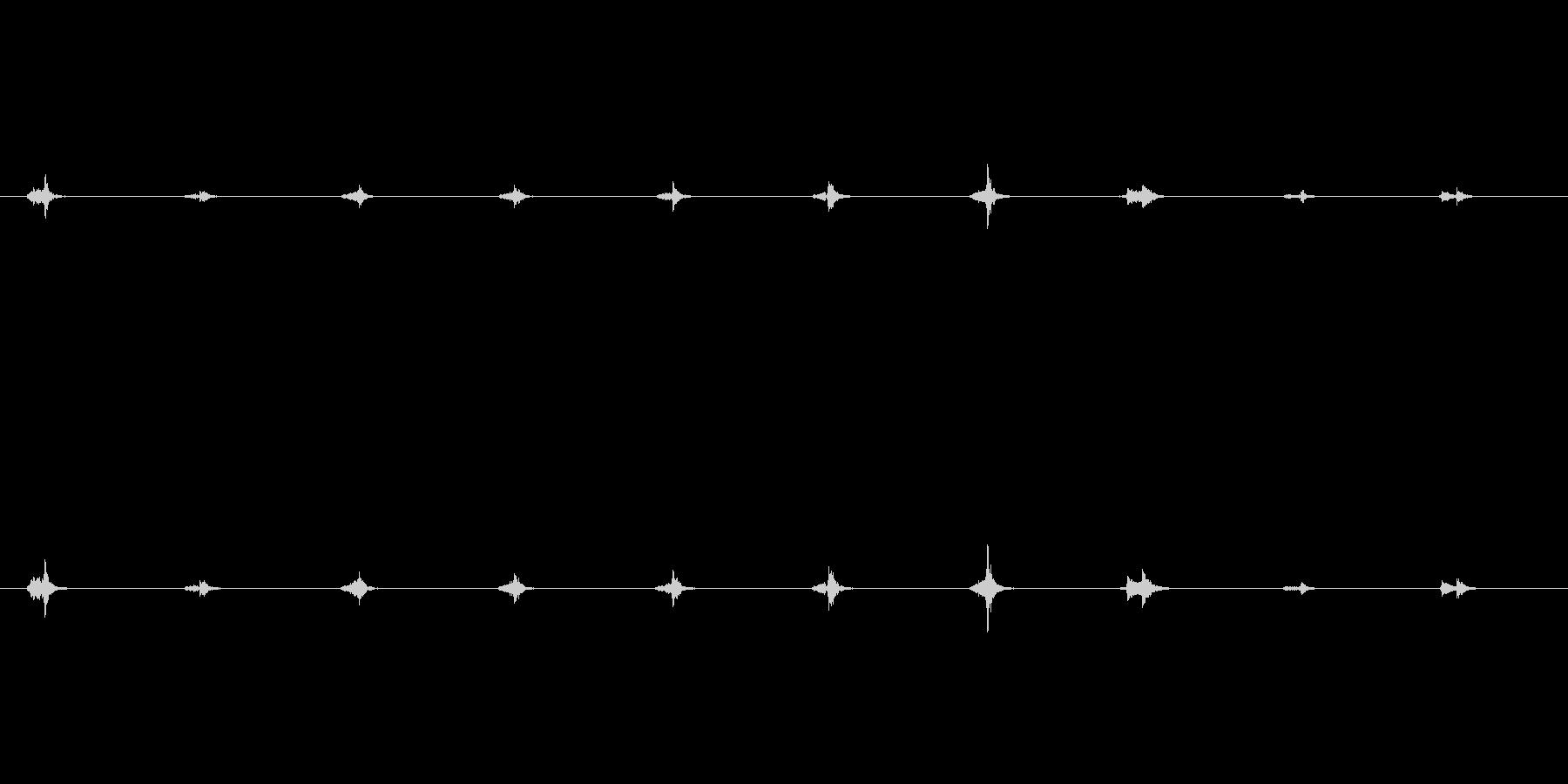 チクタク…時計の音の未再生の波形