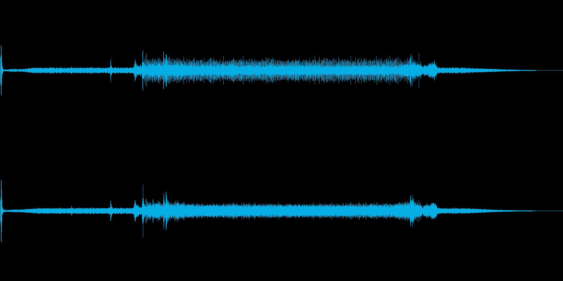 映写機のプロジェクター音の再生済みの波形