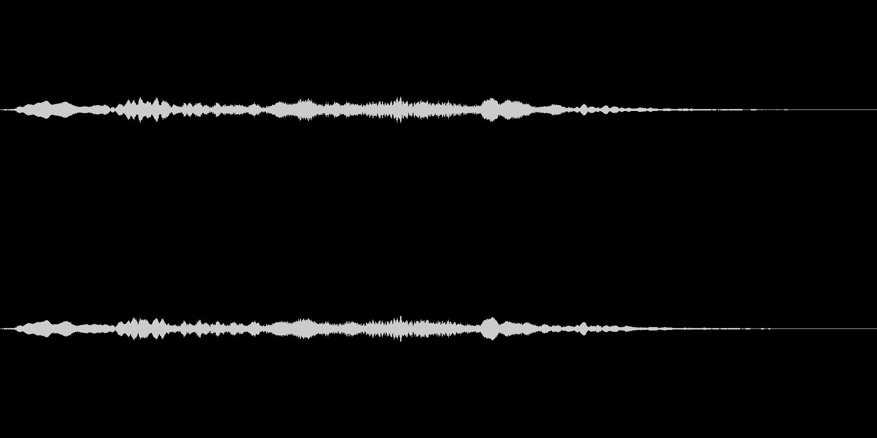 ホラー系の金属的な効果音の未再生の波形