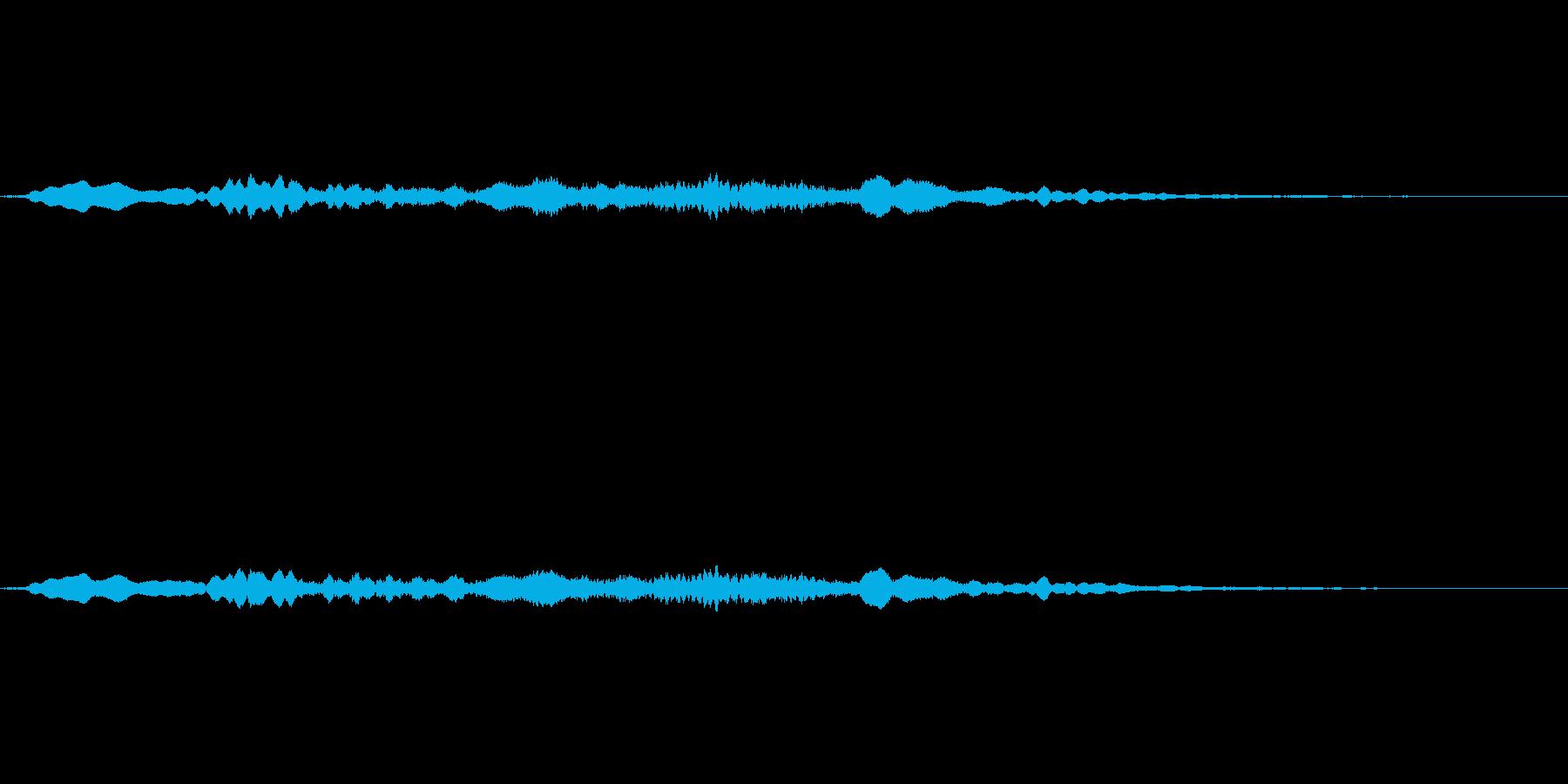 ホラー系の金属的な効果音の再生済みの波形