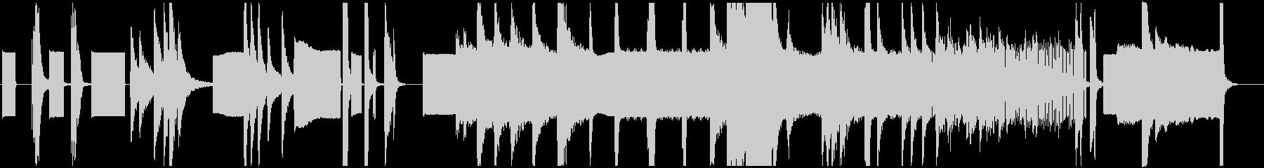 ピアノとシンセによる前衛的な現代曲の未再生の波形