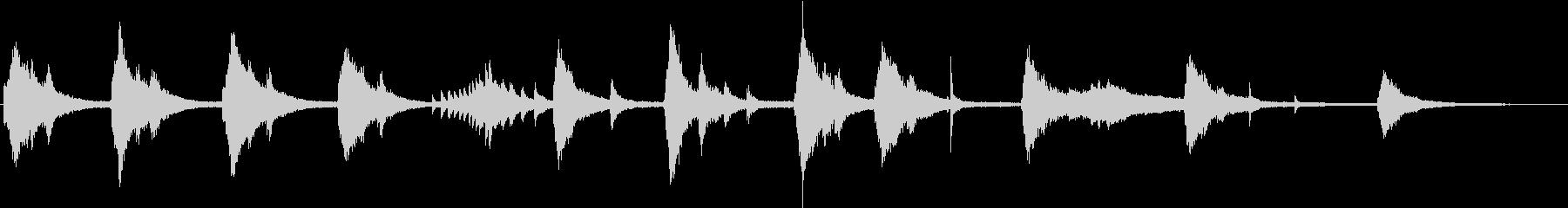 不気味な和音のピアノの未再生の波形