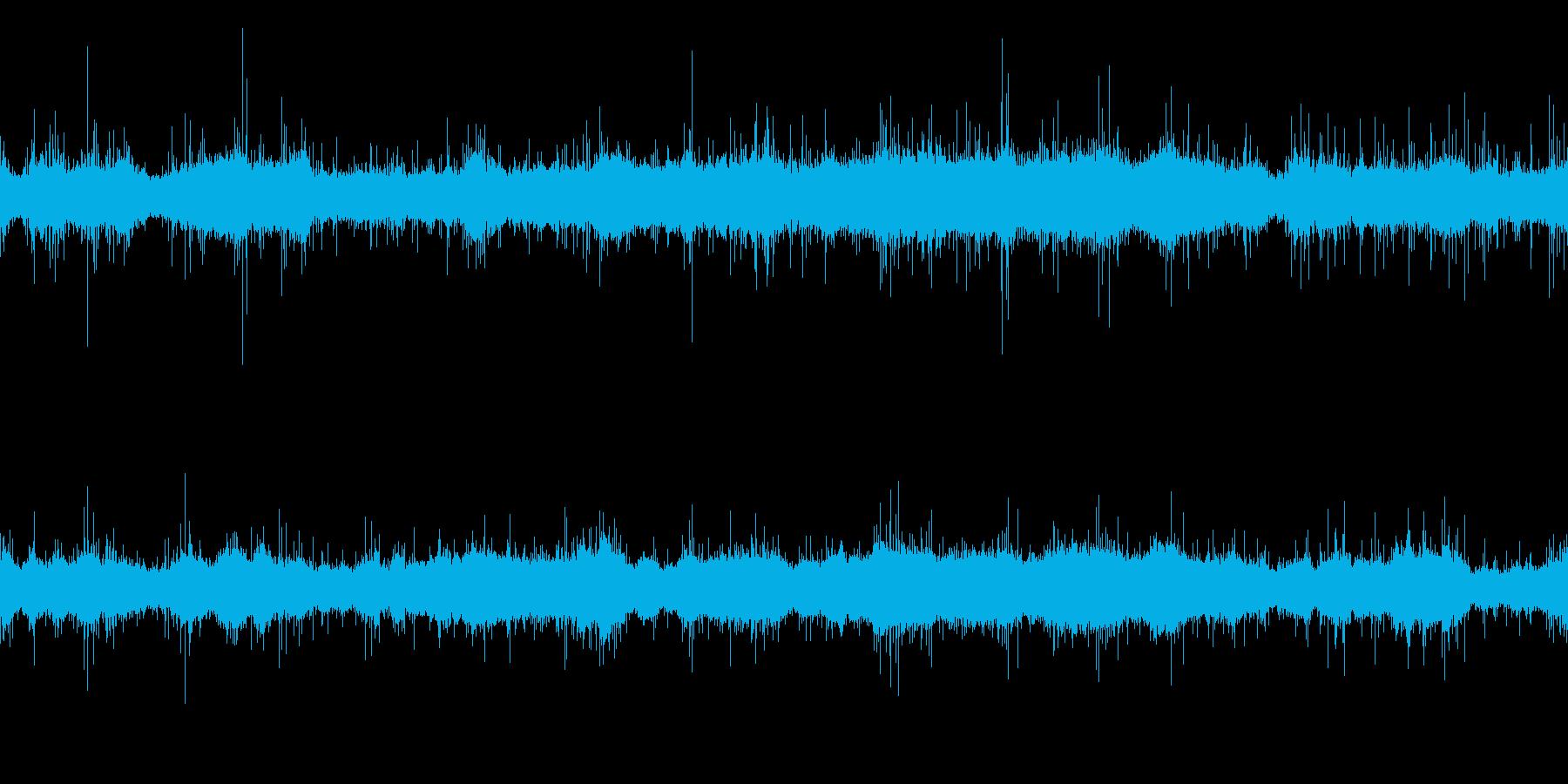クリアな波音の再生済みの波形