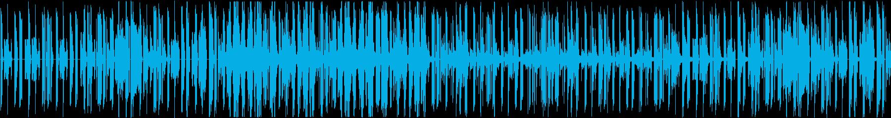 percussionとシンセの音だけの…の再生済みの波形