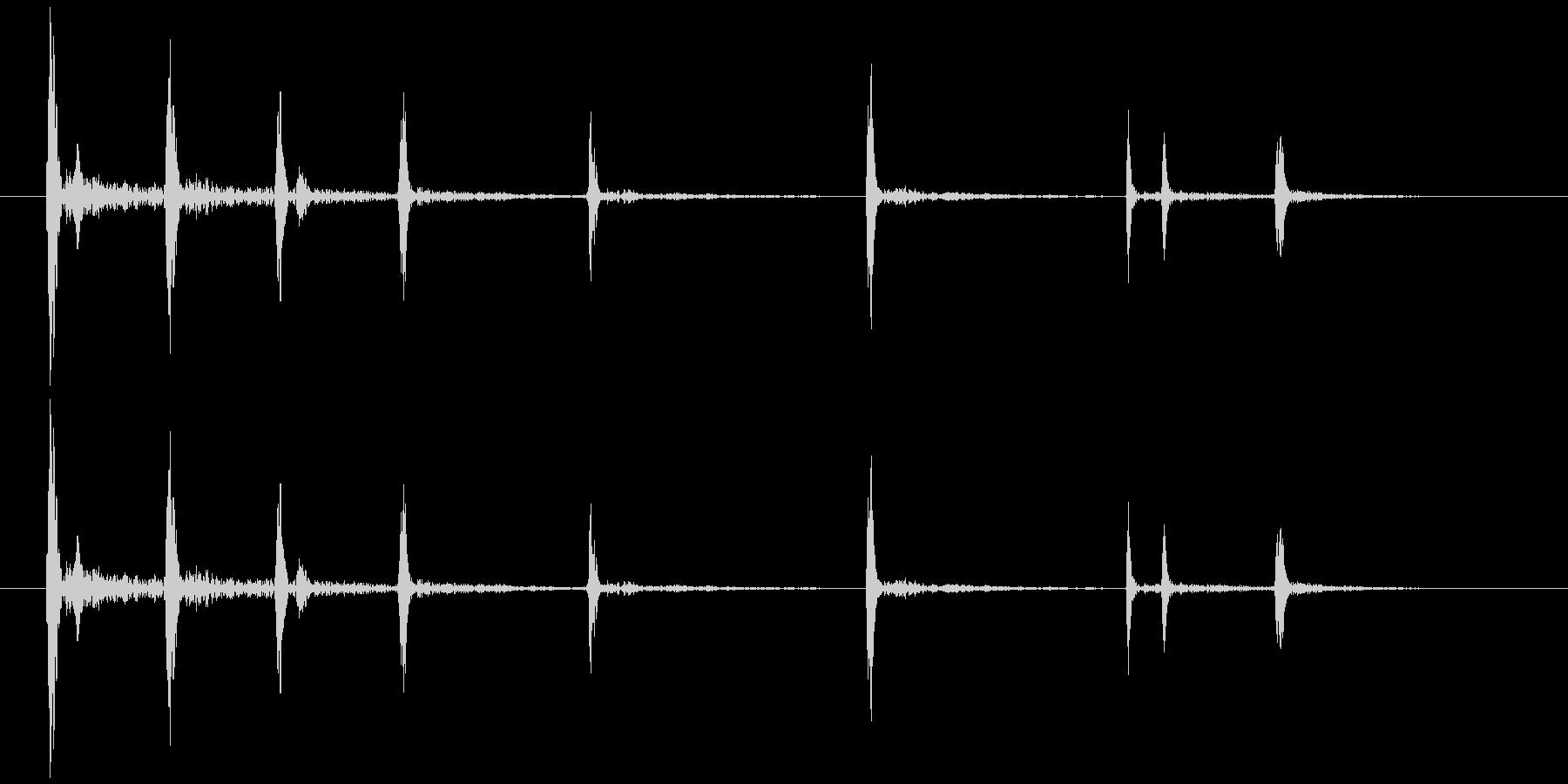 ハンドグリッパーのキリキリときしむ音の未再生の波形