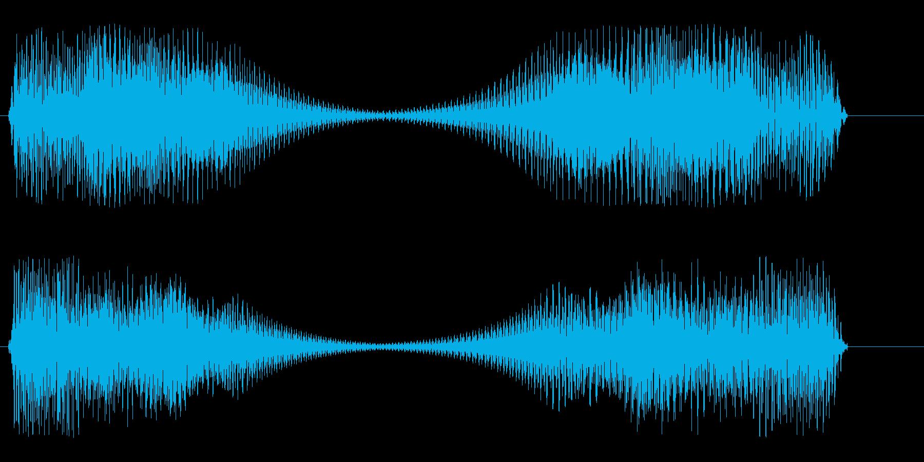 強く響くロボットの音の再生済みの波形