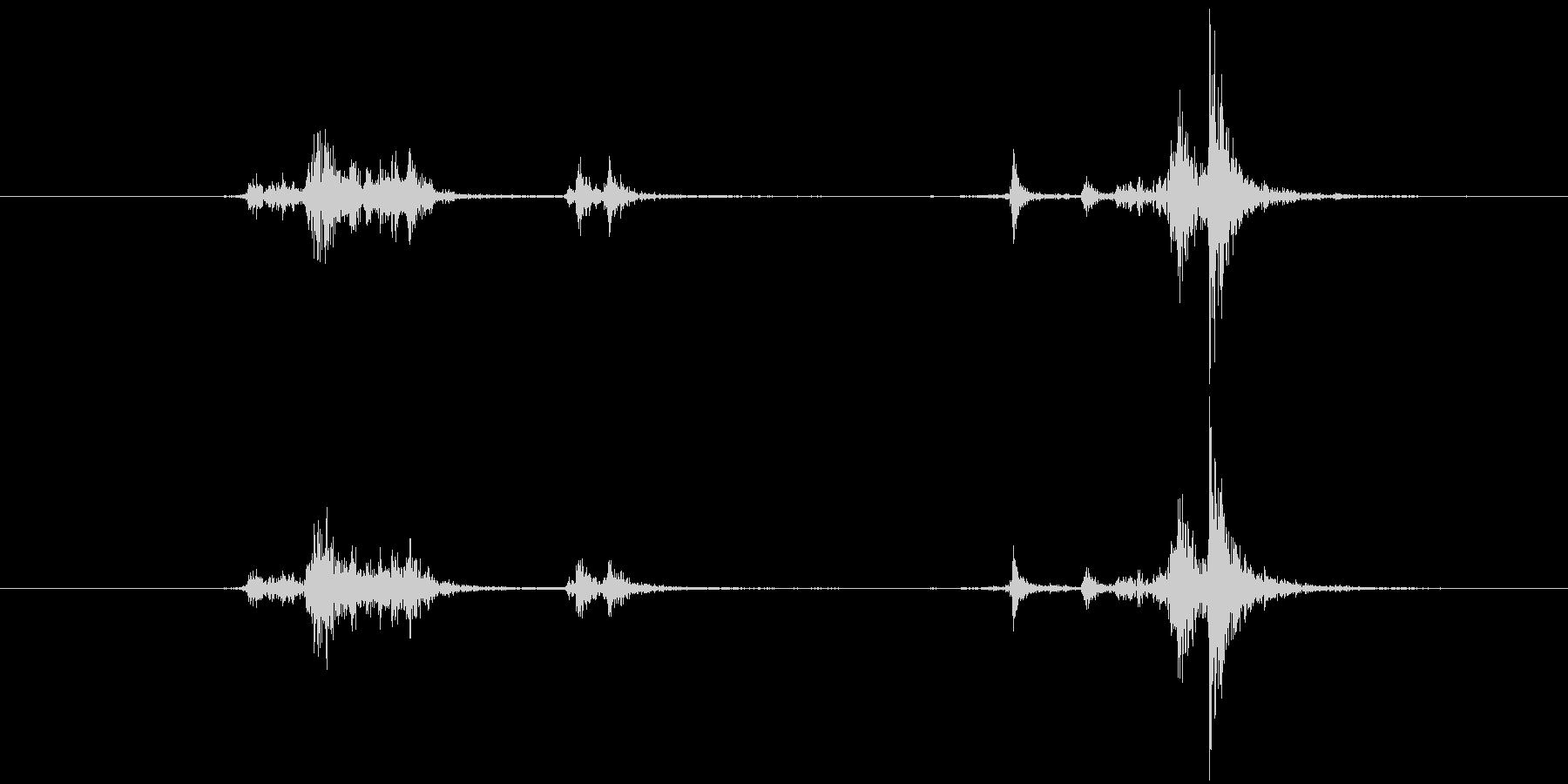 おもちゃの機関銃:ベルト供給:コッ...の未再生の波形