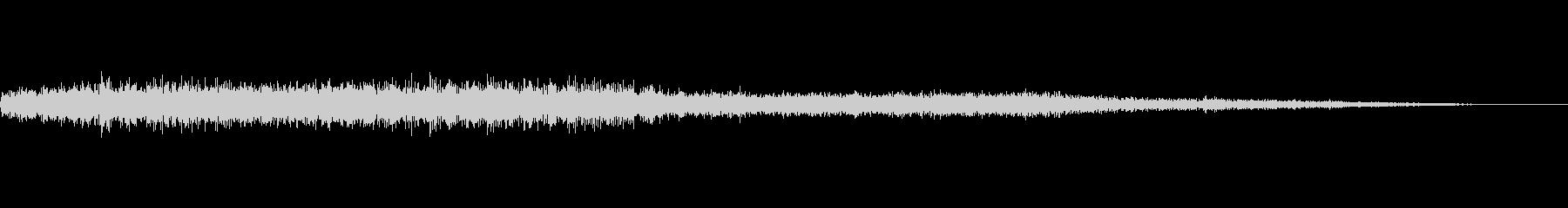 ギシギシ、キーン…田舎電車の車内音の未再生の波形