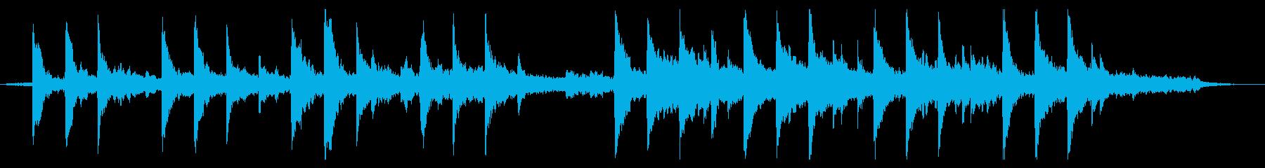 アンビエント風のエモーショナルなピアノの再生済みの波形