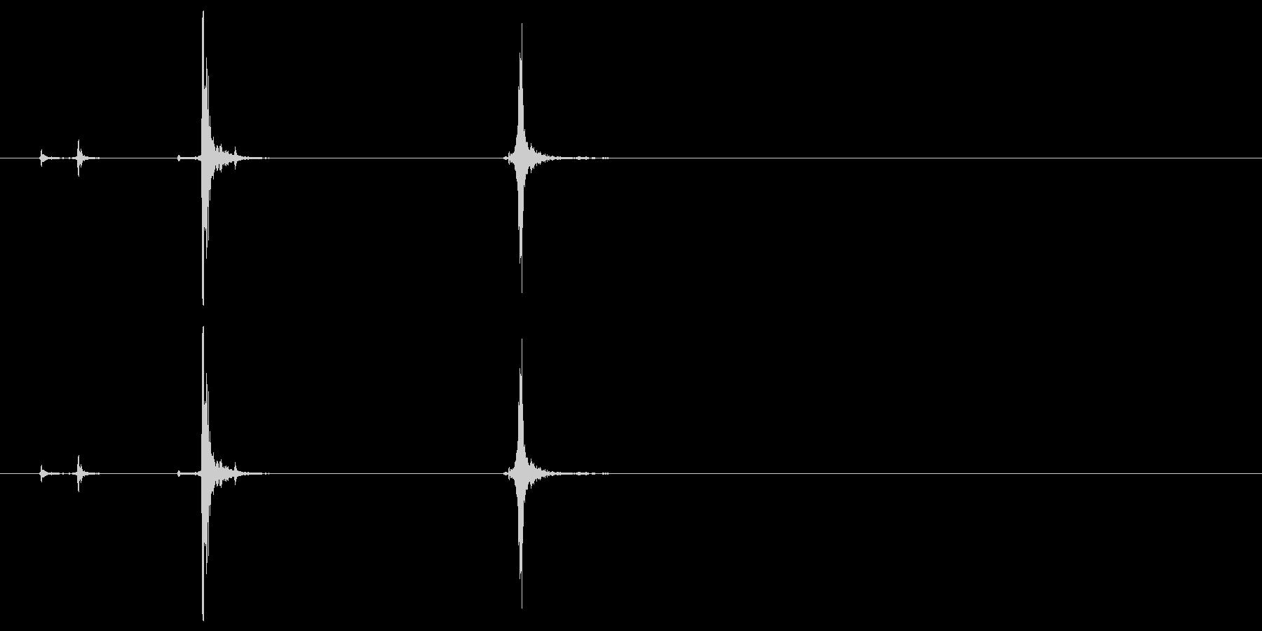 パッチン(ステープラー、ホッチキス音)Bの未再生の波形
