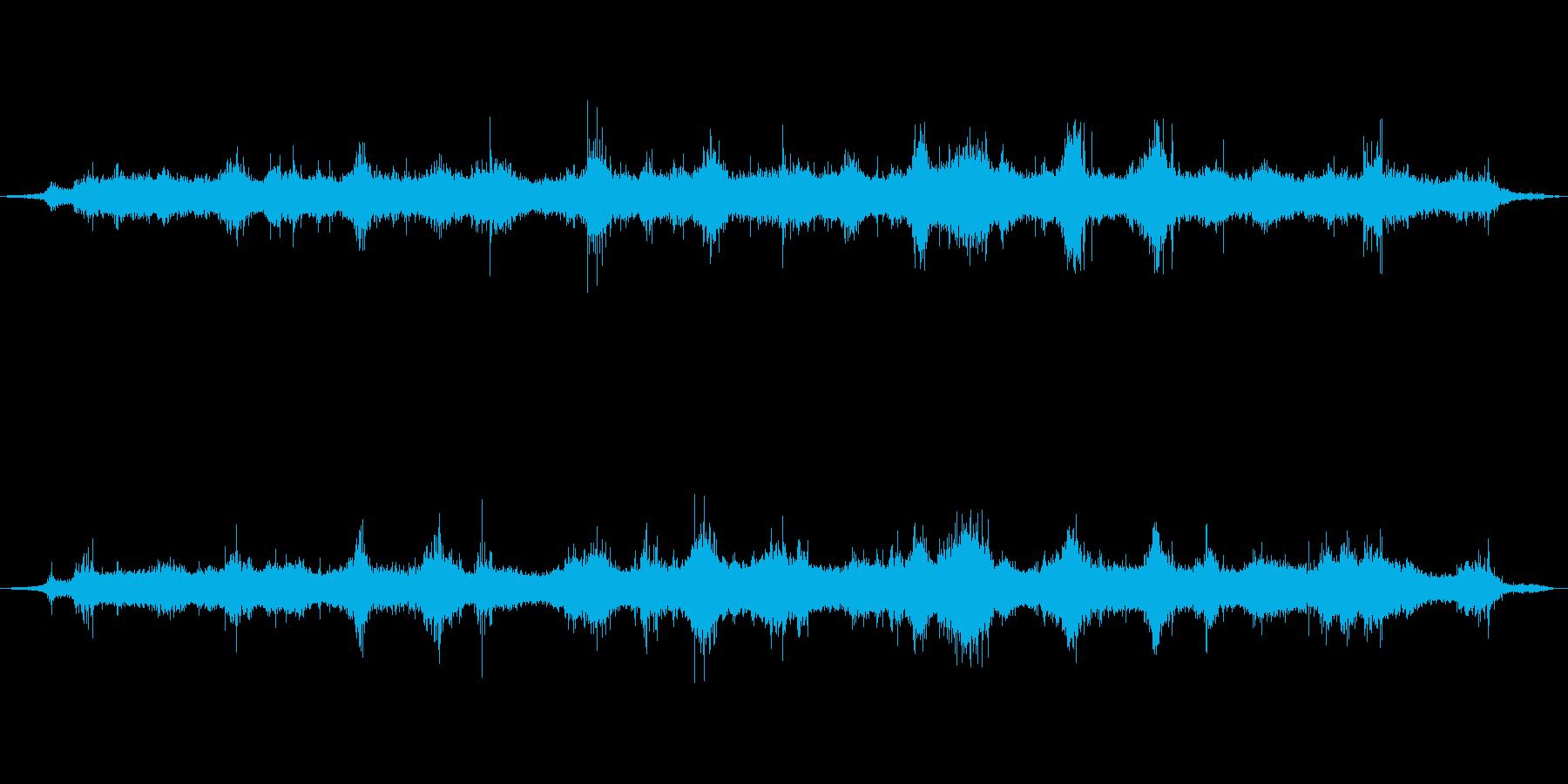 内海の波打ち際、穏やかな波音01の再生済みの波形