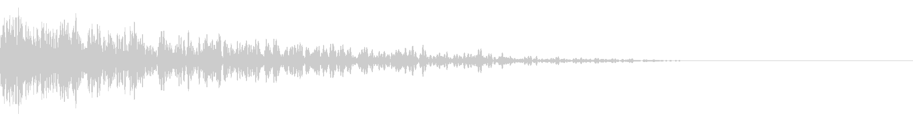 共鳴する爆発音と耳鳴りの未再生の波形