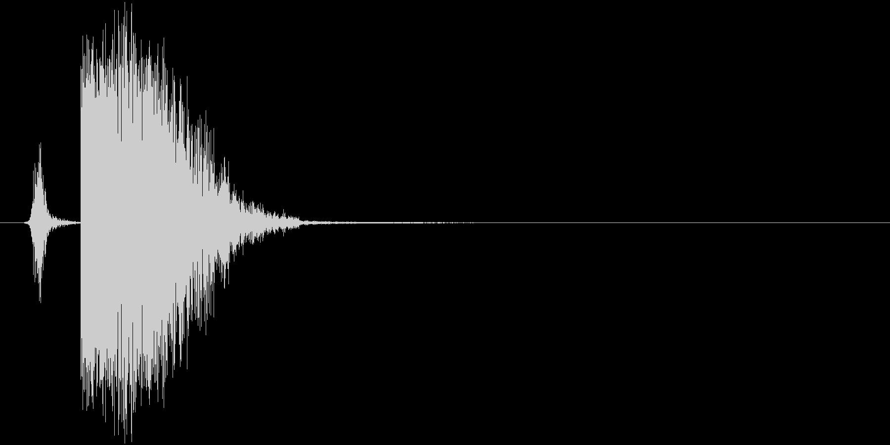 打撃音_勢いのある重めの一発の未再生の波形