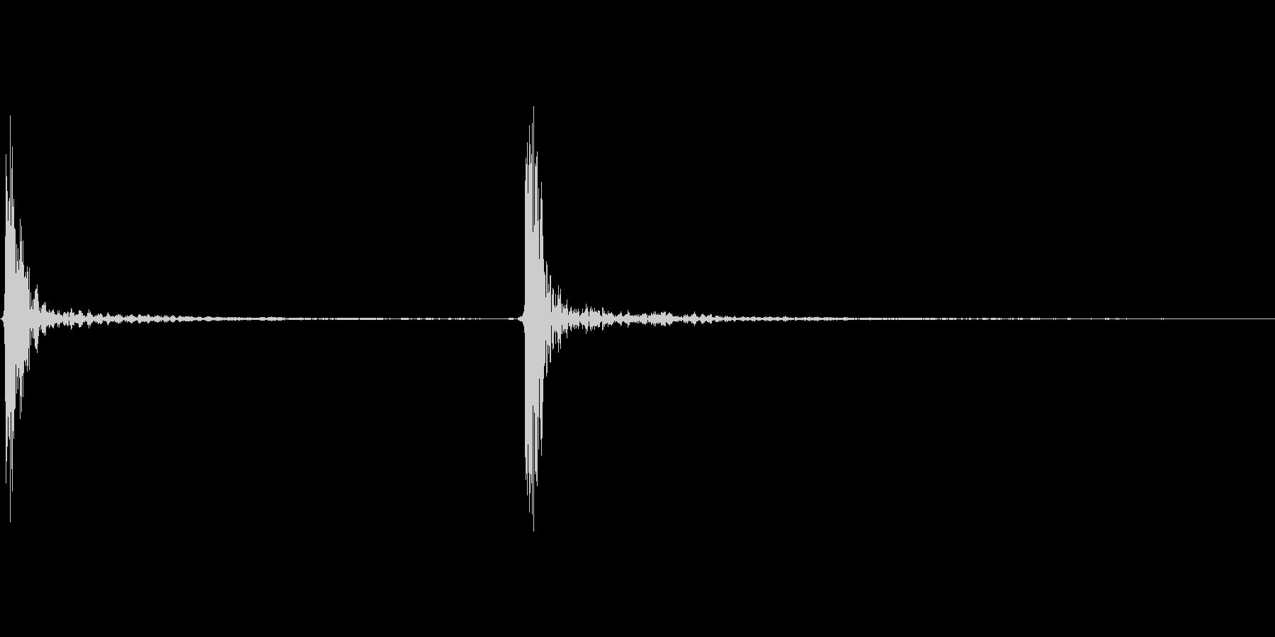 カチッ マウスのシングルクリック音の未再生の波形
