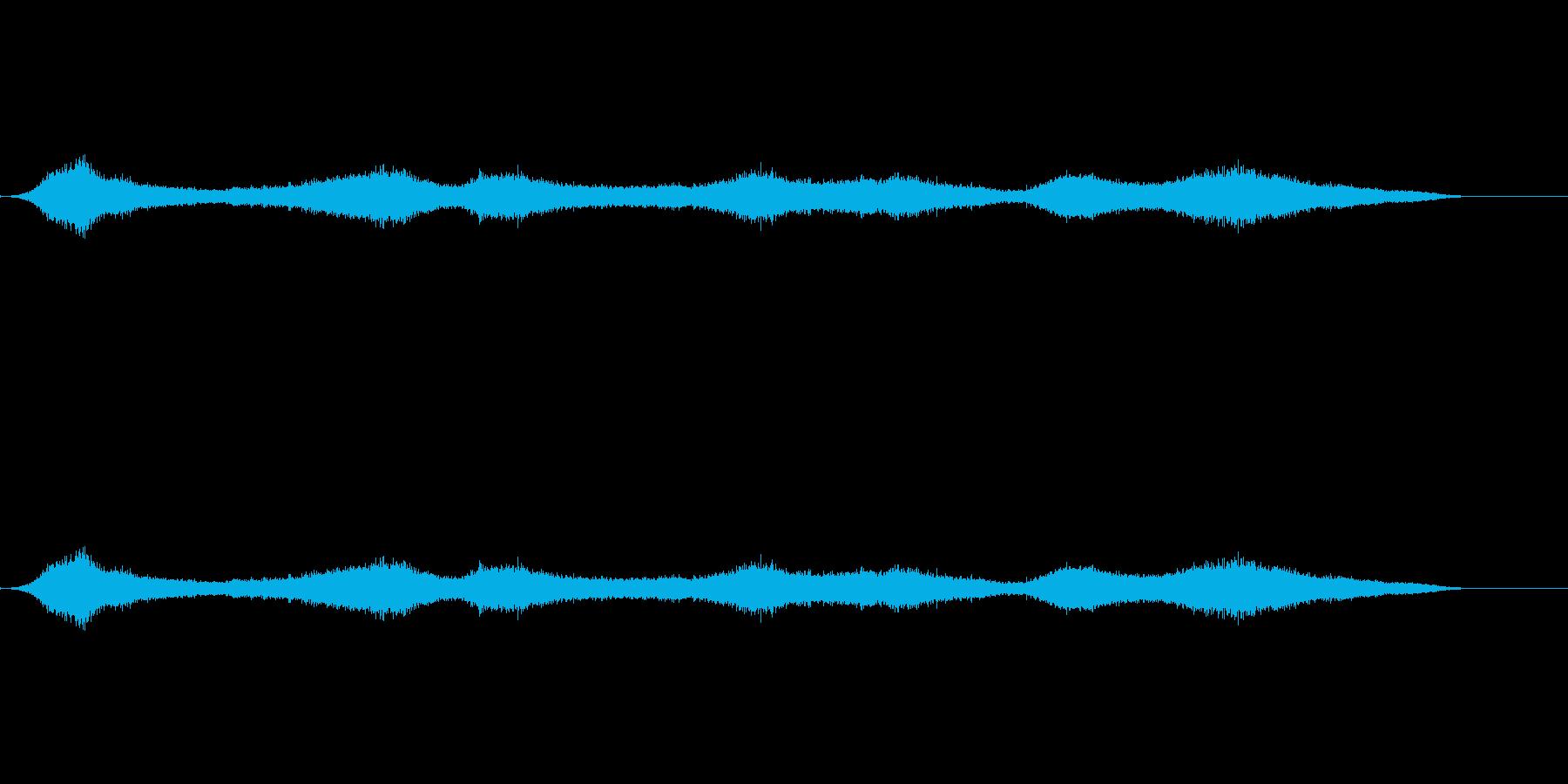ビーチの波の再生済みの波形