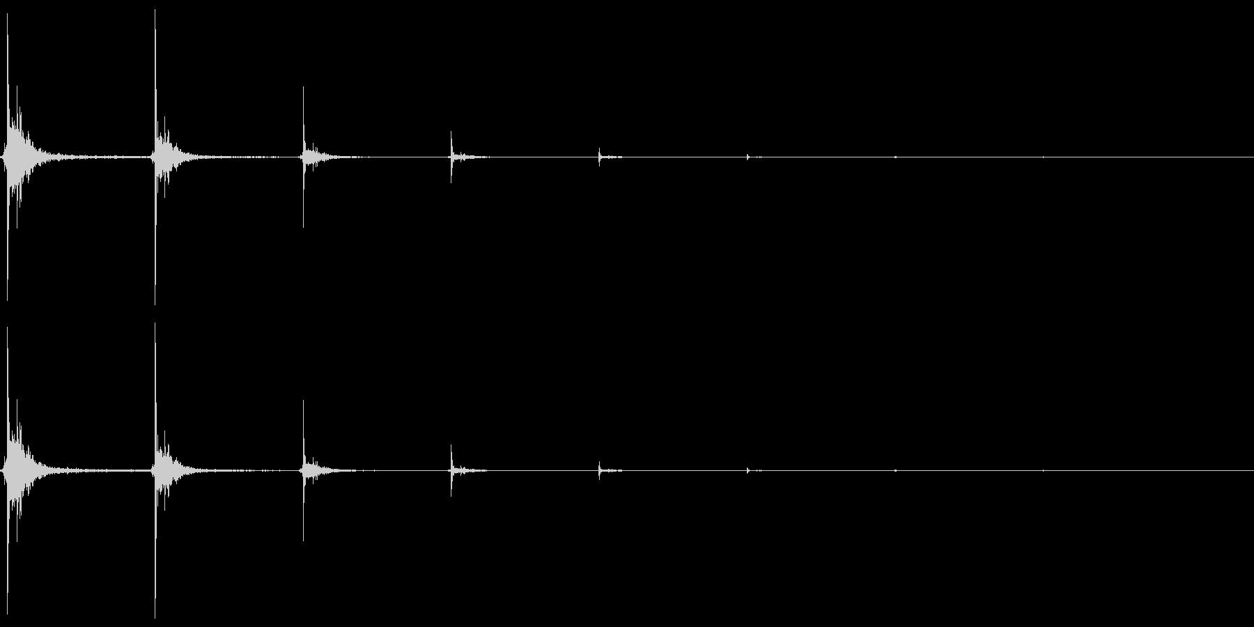 [指パッチン] 単発・音程低・エコー付きの未再生の波形