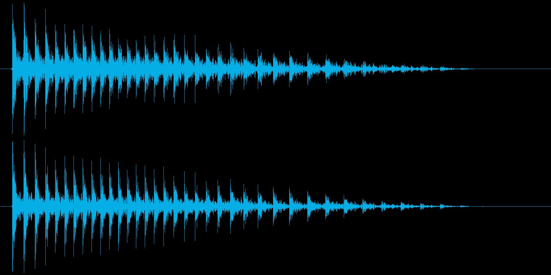 軋む(ドア、扉など) ギィィィゥの再生済みの波形