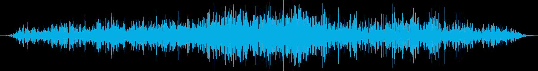 地震:激しいランブル、岩、土、砂利...の再生済みの波形