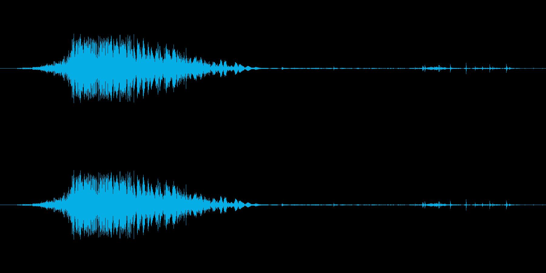 斬撃音(刀や剣で斬る/刺す効果音)05の再生済みの波形