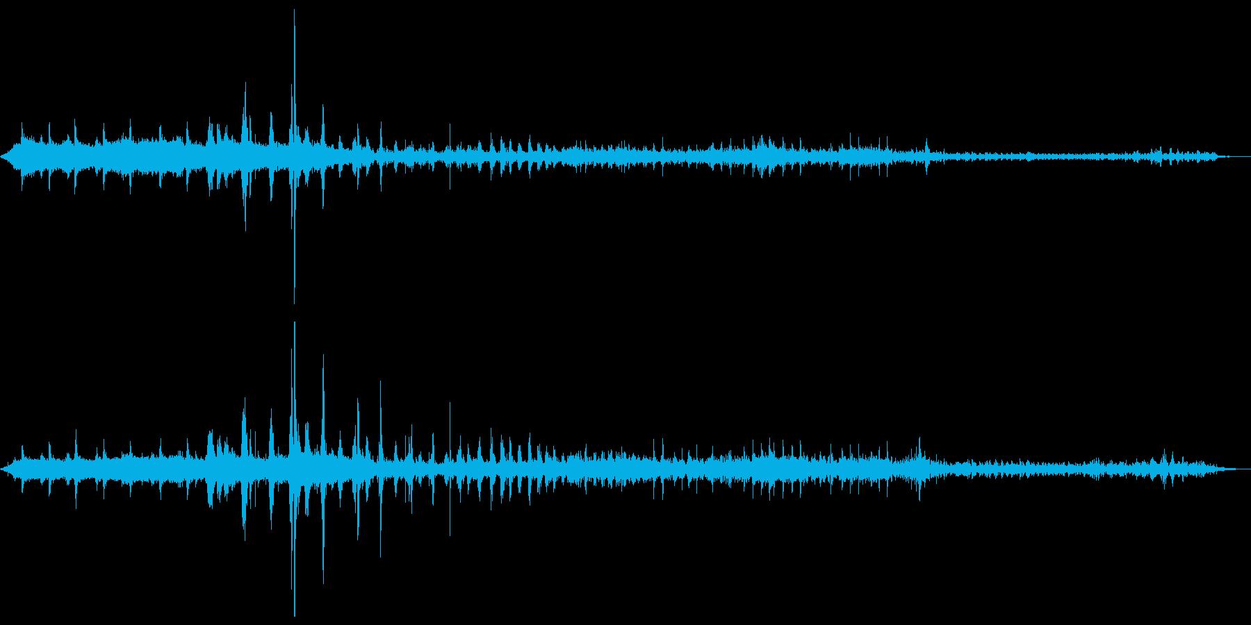 蒸気機関車:内線:駅から右に引っ張...の再生済みの波形
