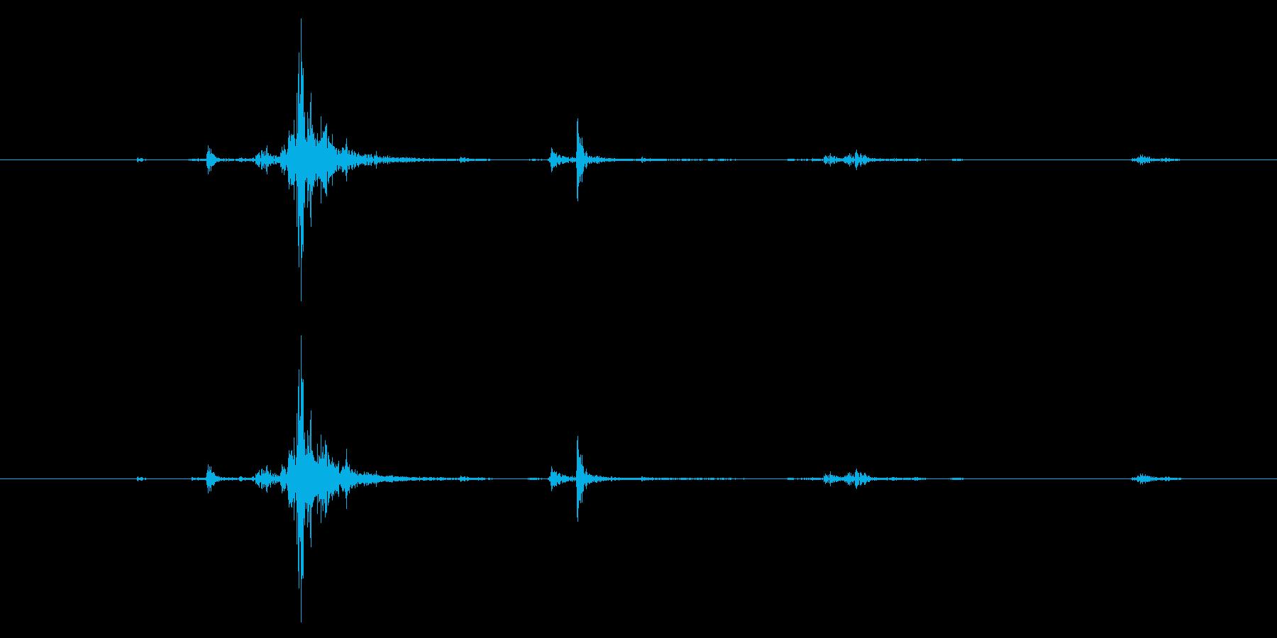 M4ライフル:弾丸をマガジンにロードするの再生済みの波形