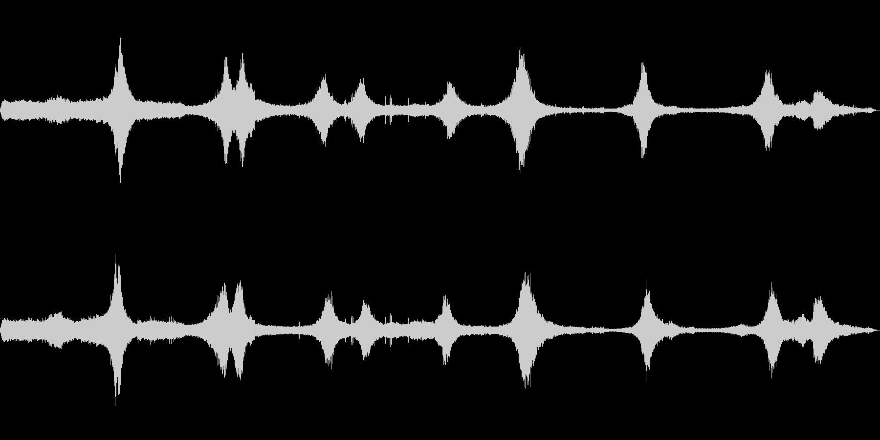 [生録音]交通量の多い交差点01(初夏)の未再生の波形