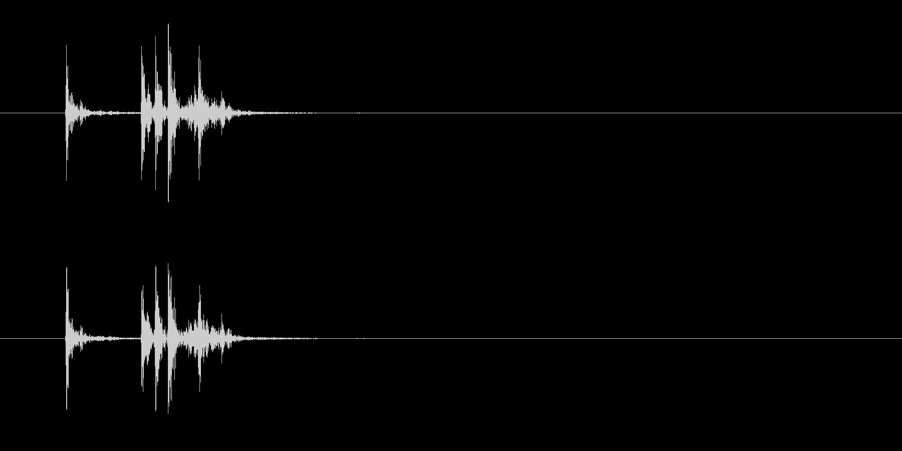 小型電子電話:受話器を置く、電話の未再生の波形