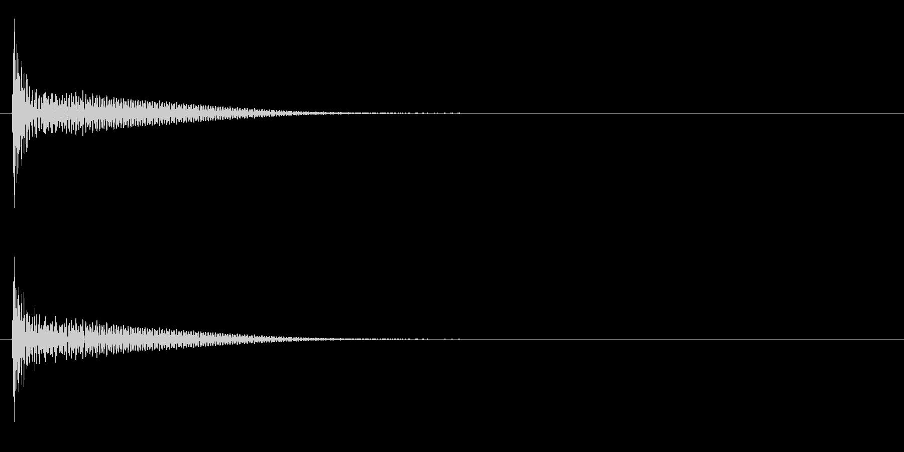 「ドン」和太鼓の大太鼓の単発音の未再生の波形