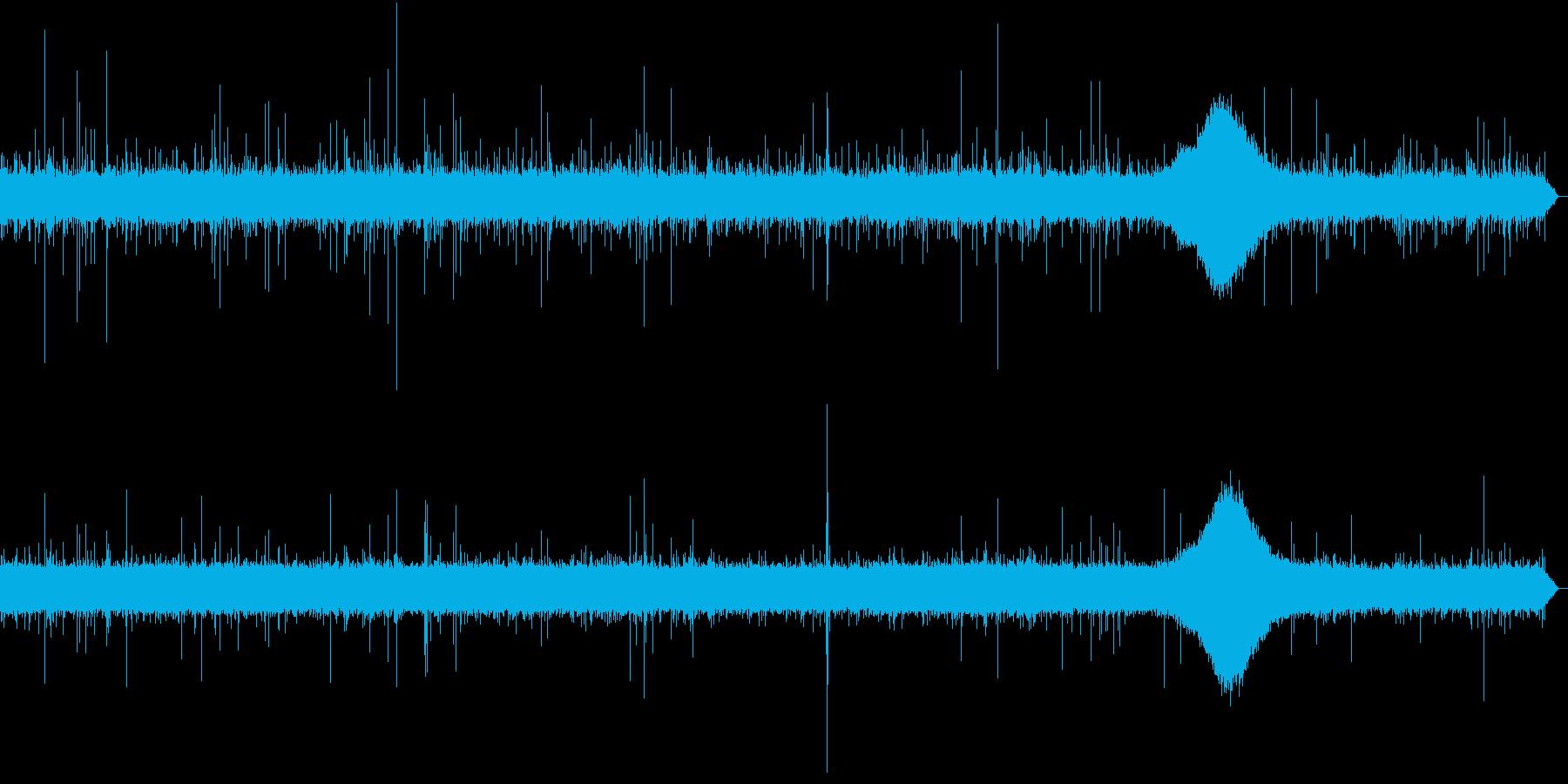 【生録音】日本 東京に降る雨の音 4の再生済みの波形
