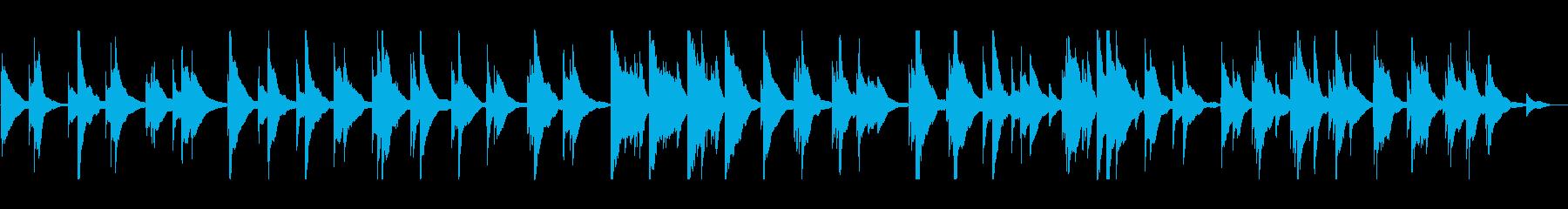 静けさの中に鳴り響くお琴の音の再生済みの波形
