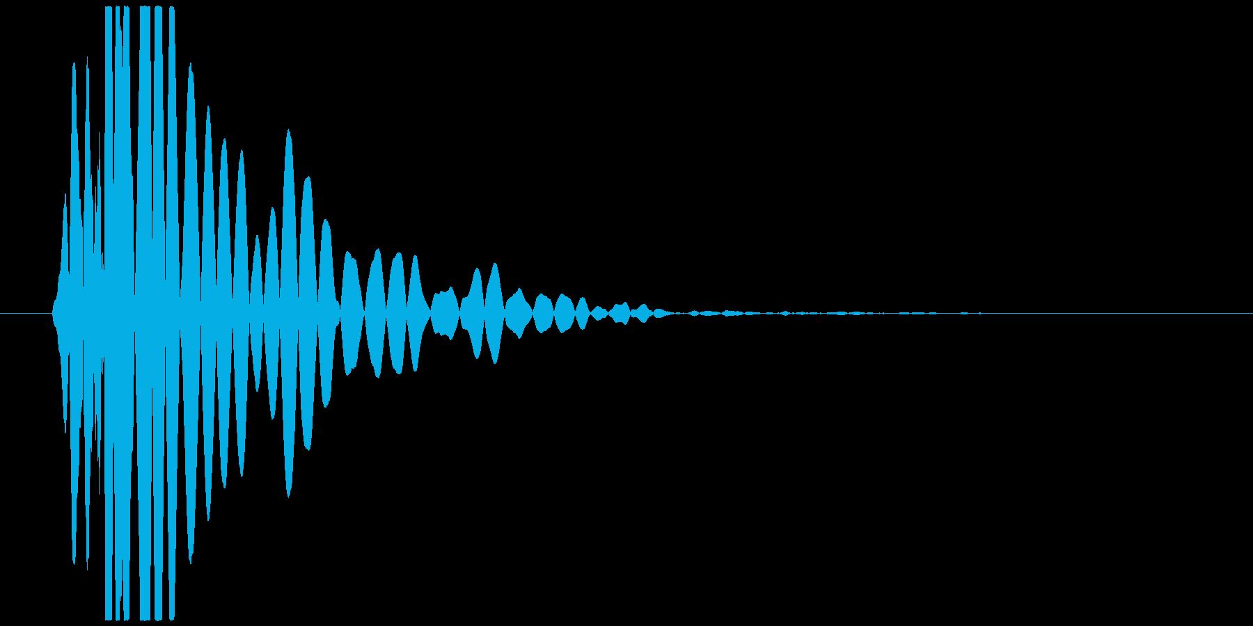 ドンッ、バタッ(倒れる、足音、低音)の再生済みの波形