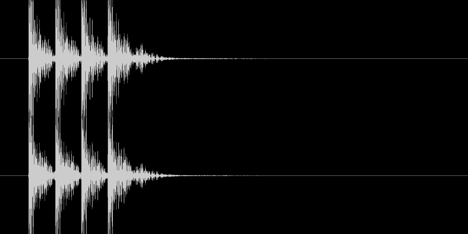 ドンドンドン(木製のドアを叩く音)の未再生の波形