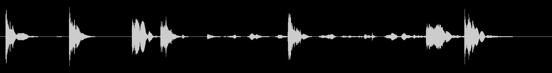 空の55ガロンドラム:叩いて、古い...の未再生の波形