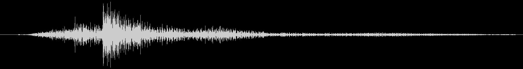 金属音の1回転する音の未再生の波形