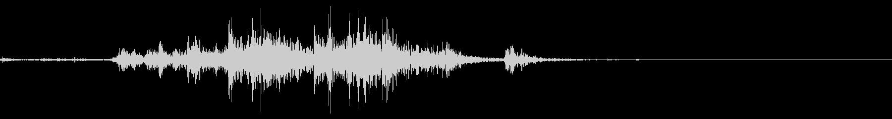金属製のものが音を立てて壊れる音の未再生の波形