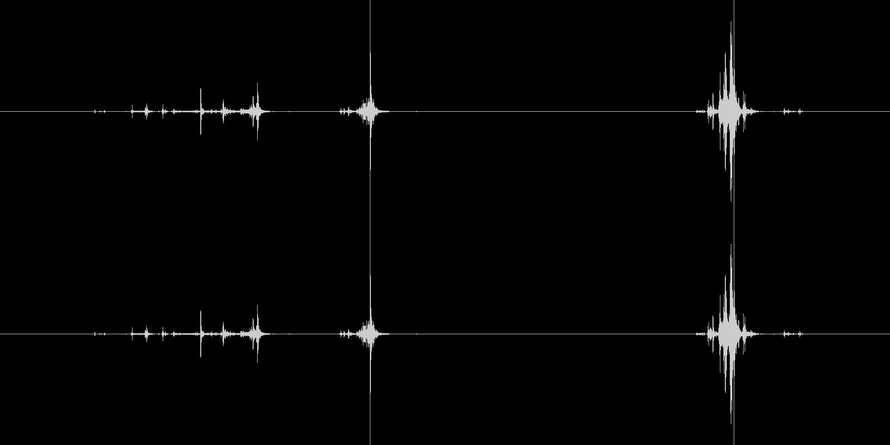カシャッ(カメラで撮影する音)の未再生の波形