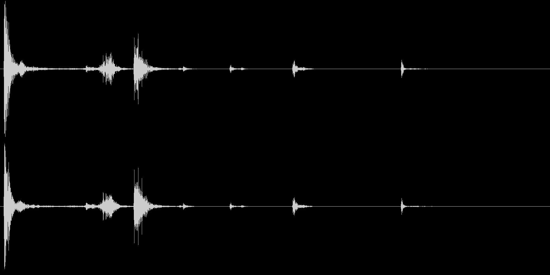 【生録音】お箸の音 58 両手で持ち上げの未再生の波形