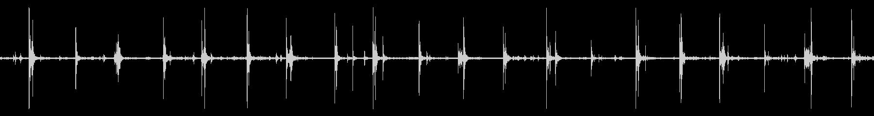 硬質表面ループ上の馬の足跡の未再生の波形