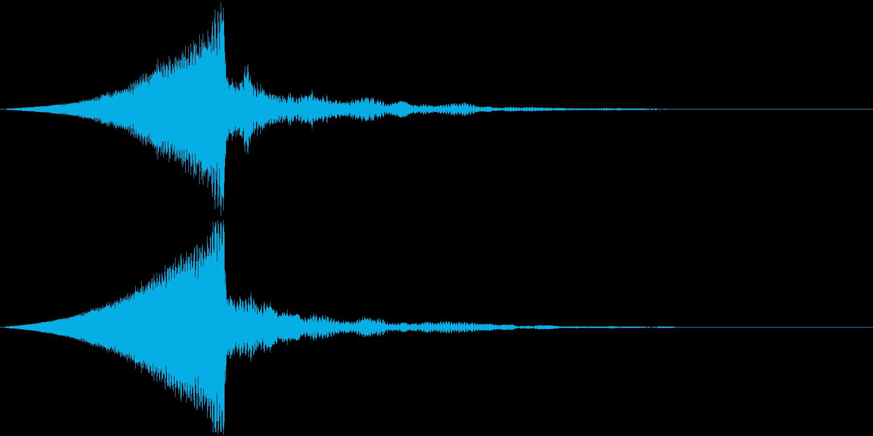 インパクト大なタイトルロゴの再生済みの波形