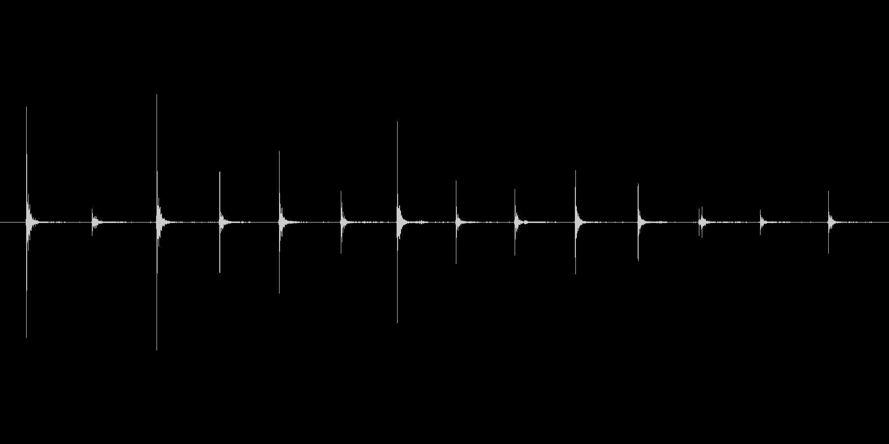 フラットシューズ 歩く足音の未再生の波形