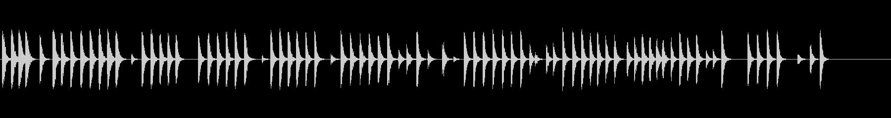屋外の木に2つのハンマーの未再生の波形