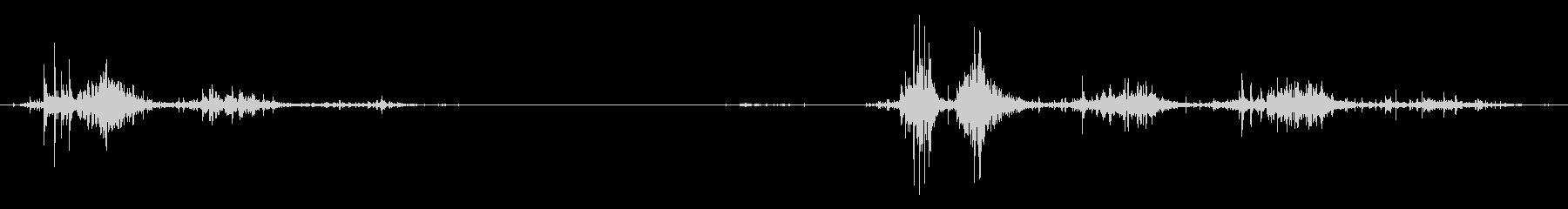 タブレッド菓子出す音・振る音7の未再生の波形
