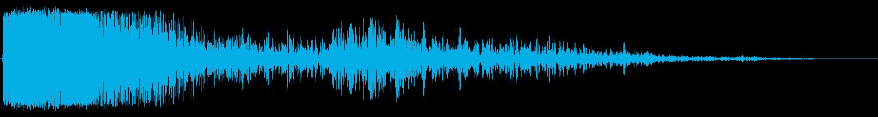激しい爆発の再生済みの波形