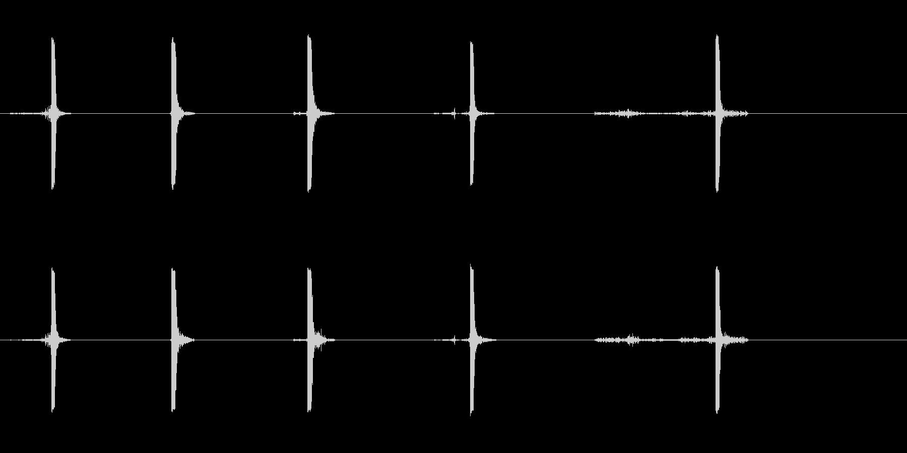 爆竹爆発2; 5つのさまざまなヒュ...の未再生の波形