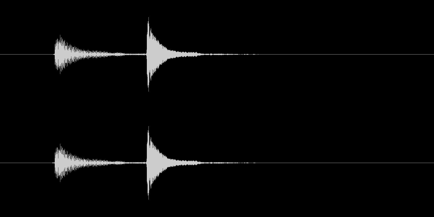 「ポコッ(軽い打撃音)」の未再生の波形