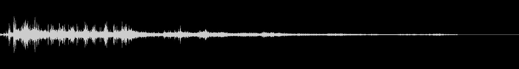 カミナリ(遠雷)-17の未再生の波形