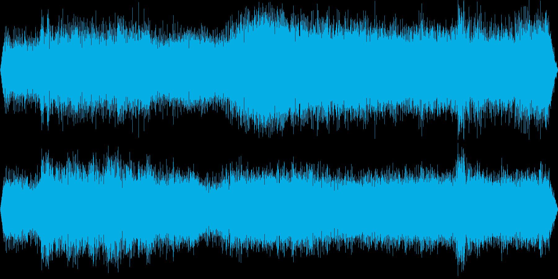 高速運転中のディーゼル特急のエンジン音の再生済みの波形