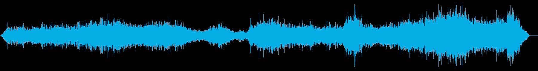 リバーブを介した奇妙な音声効果、そ...の再生済みの波形