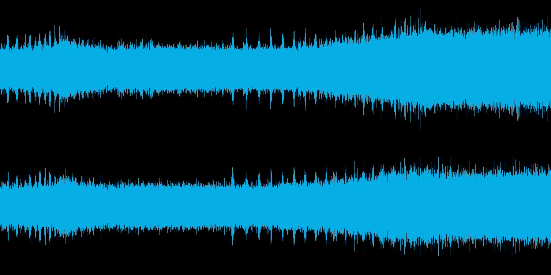 ツクツクボウシの鳴き声(遠距離で合唱)の再生済みの波形